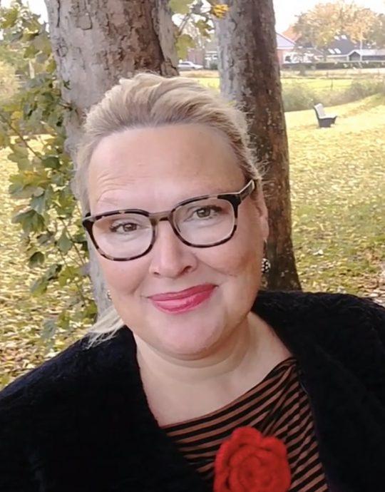 Karin van der Tuin